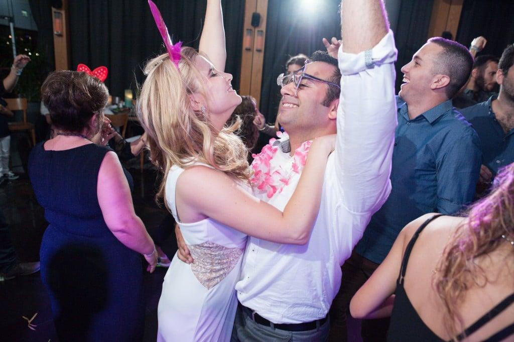 המסיבה בפנים - החתונה של אביאור ולורה