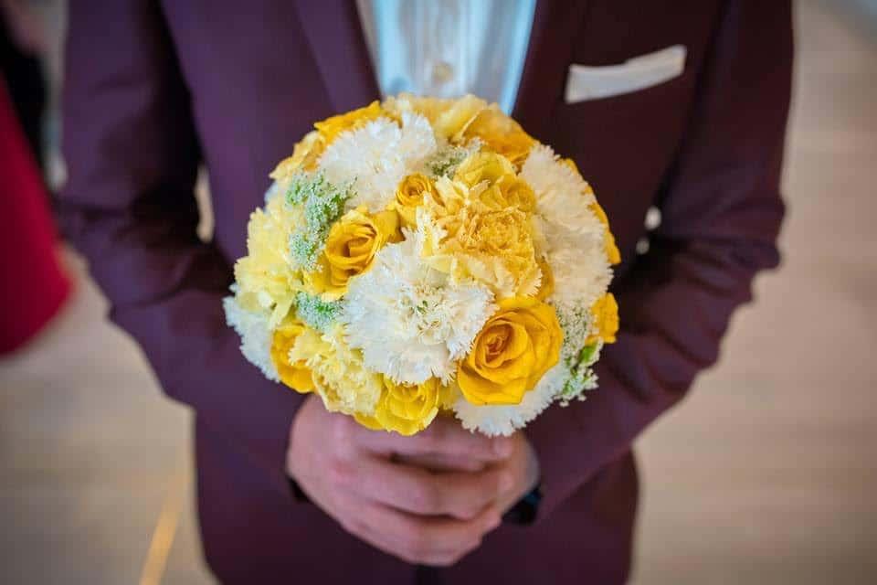 פרחים בחתונה זו קלאסיקה פשוטה שאף פעם לא מתיישנת או יוצאת מהאופנה. צילום: denis butnaru