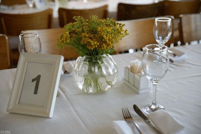 סידורי פרחים בחתונה