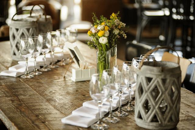 סידור פרחים בחתונה